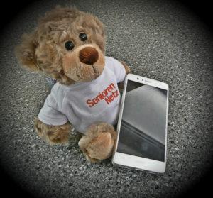 Bär mit Handy